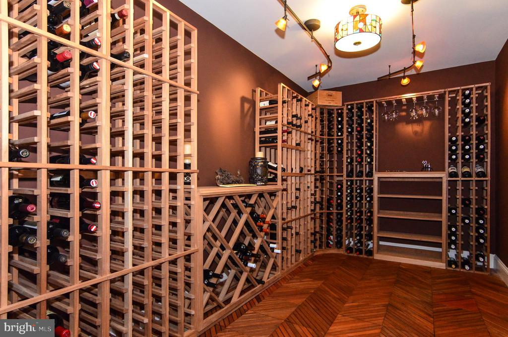 A wine connoisseur's dream in this wine cellar! - 12794 YATES FORD ROAD, CLIFTON