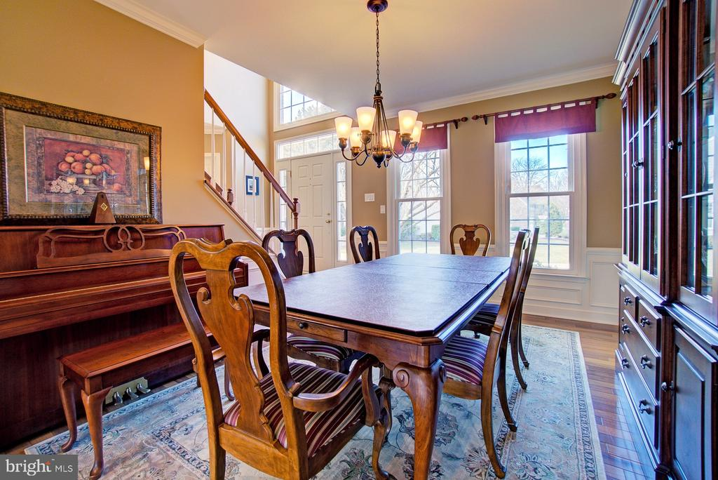Classic Dining Room - 3055 JEANNIE ANNA CT, HERNDON