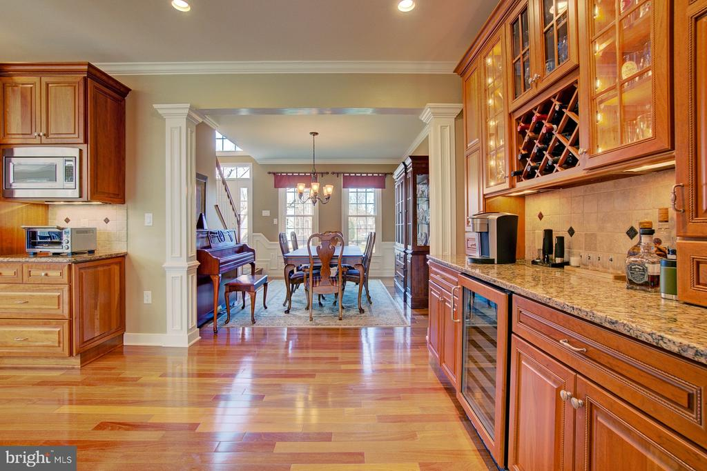 Butlers Pantry/Dry Bar Leads You to Dining Room - 3055 JEANNIE ANNA CT, HERNDON