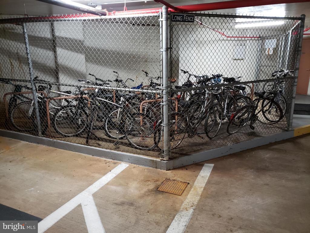 Separate bike storage on garage level t-3 - 5809 NICHOLSON LN #1011, NORTH BETHESDA
