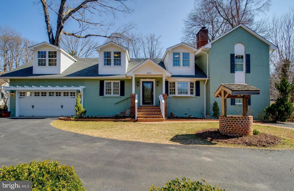 See the  VIRTUAL 3D TOUR  of this home - 4123 BURKE STATION RD, FAIRFAX
