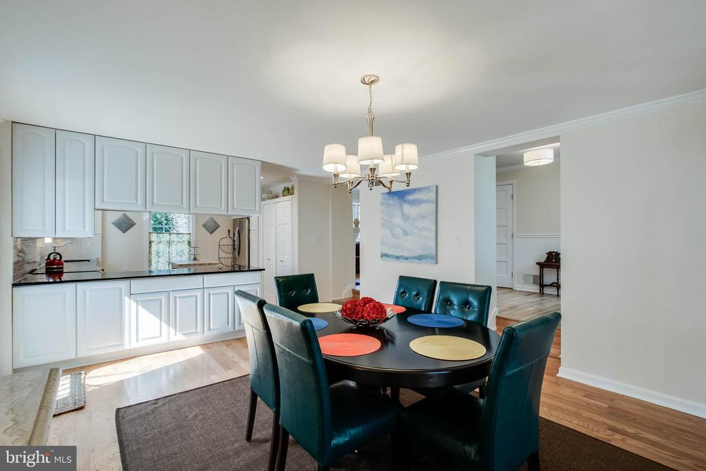 Check out the 3D tour - 4123 BURKE STATION RD, FAIRFAX
