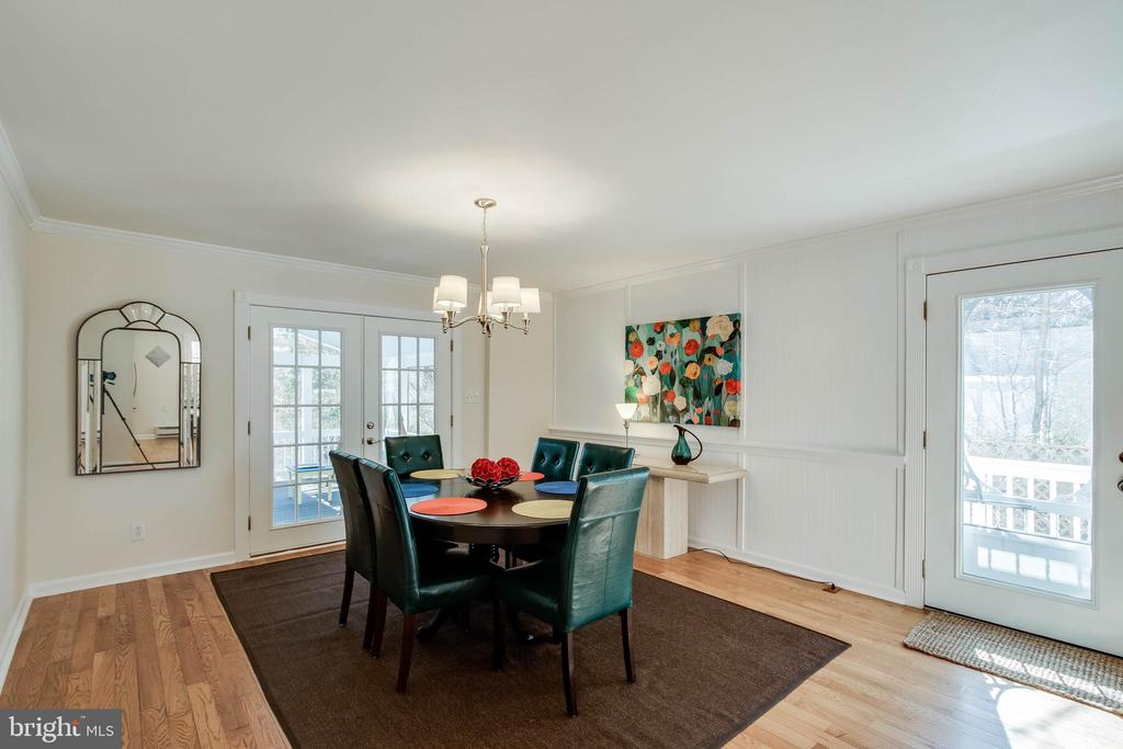 Large dining room leads to screened porch - 4123 BURKE STATION RD, FAIRFAX