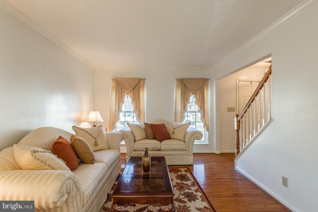 Formal living room w/gorgeous hardwood floors - 8 WESTCHESTER CT, STAFFORD