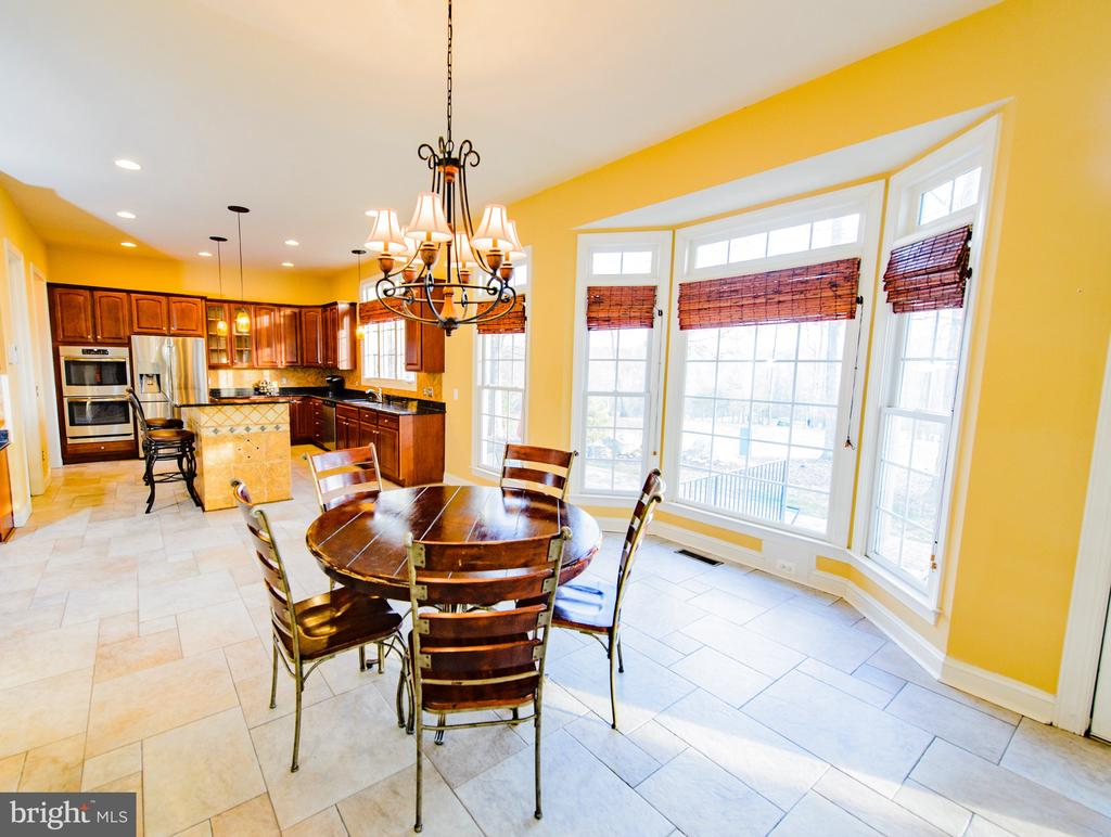 Breakfast Room off of Gourmet Kitchen - 4741 CHARTER CT, WOODBRIDGE