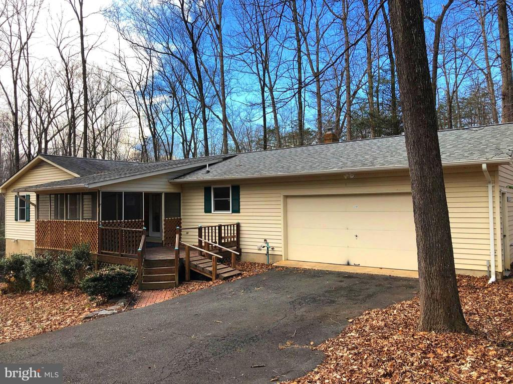Peaceful and serene... Make it your own! - 8809 MILLWOOD DR, SPOTSYLVANIA