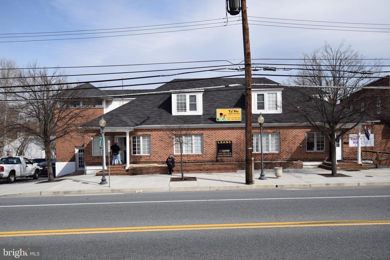 Single Family Homes para Venda às Glen Burnie, Maryland 21061 Estados Unidos