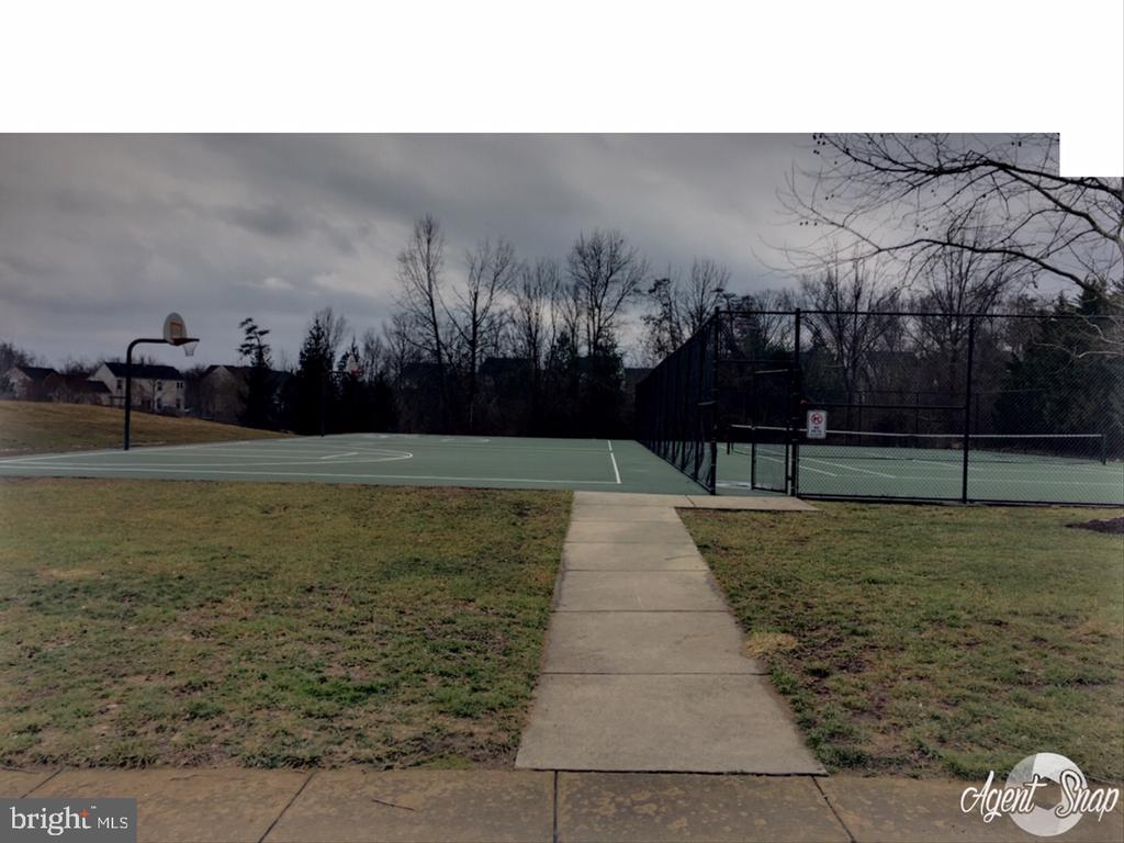 Basketball/Tennis Court - 10163 BROADSWORD DR, BRISTOW