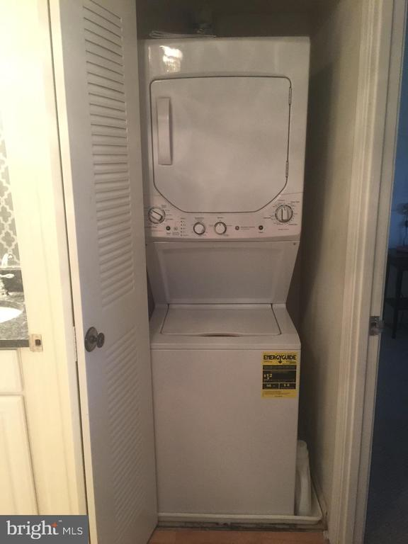 Washer & Dryer - 2230 GEORGE C MARSHALL DR #1011, FALLS CHURCH