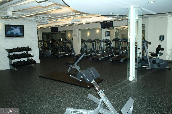 Fitness center - 2230 GEORGE C MARSHALL DR #1011, FALLS CHURCH