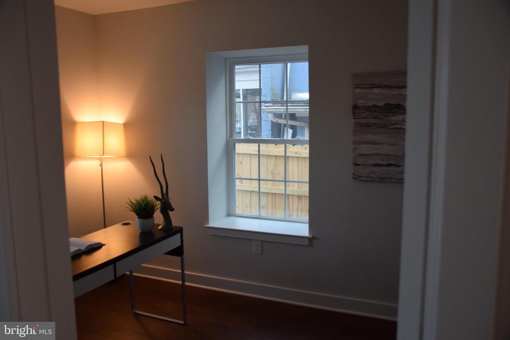 OFFICE/GUEST ROOM - 2014 S LANGLEY ST, ARLINGTON