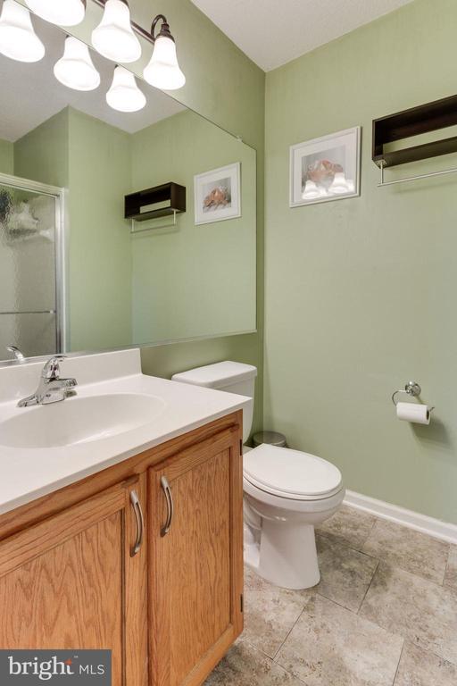 Master bath - 7211 STOVER CT, ALEXANDRIA