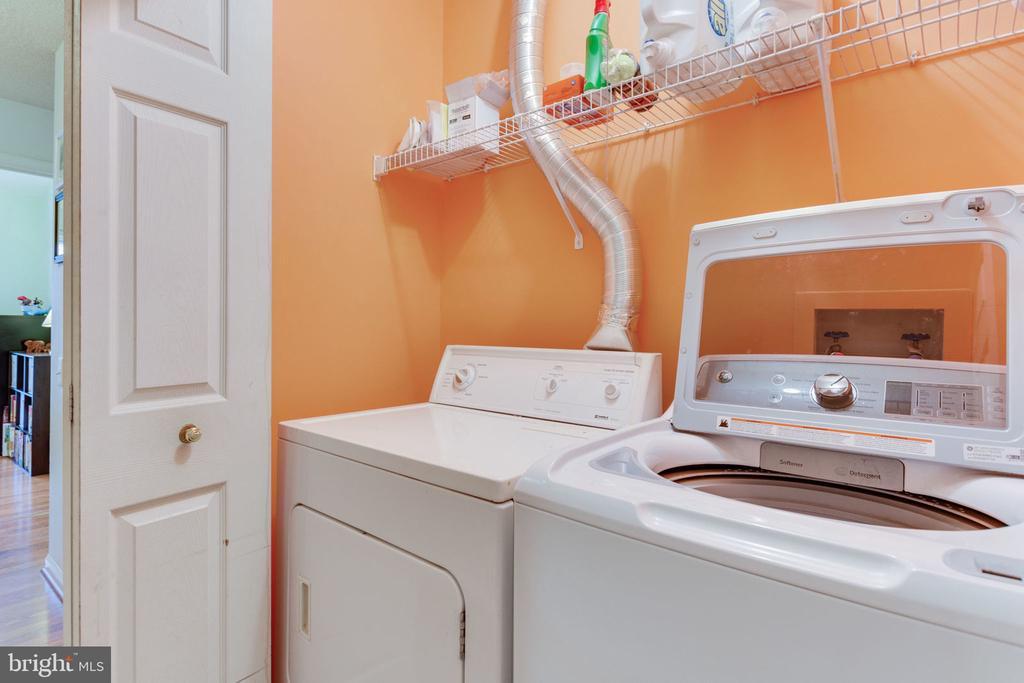 Laundry on bedroom level - 7211 STOVER CT, ALEXANDRIA