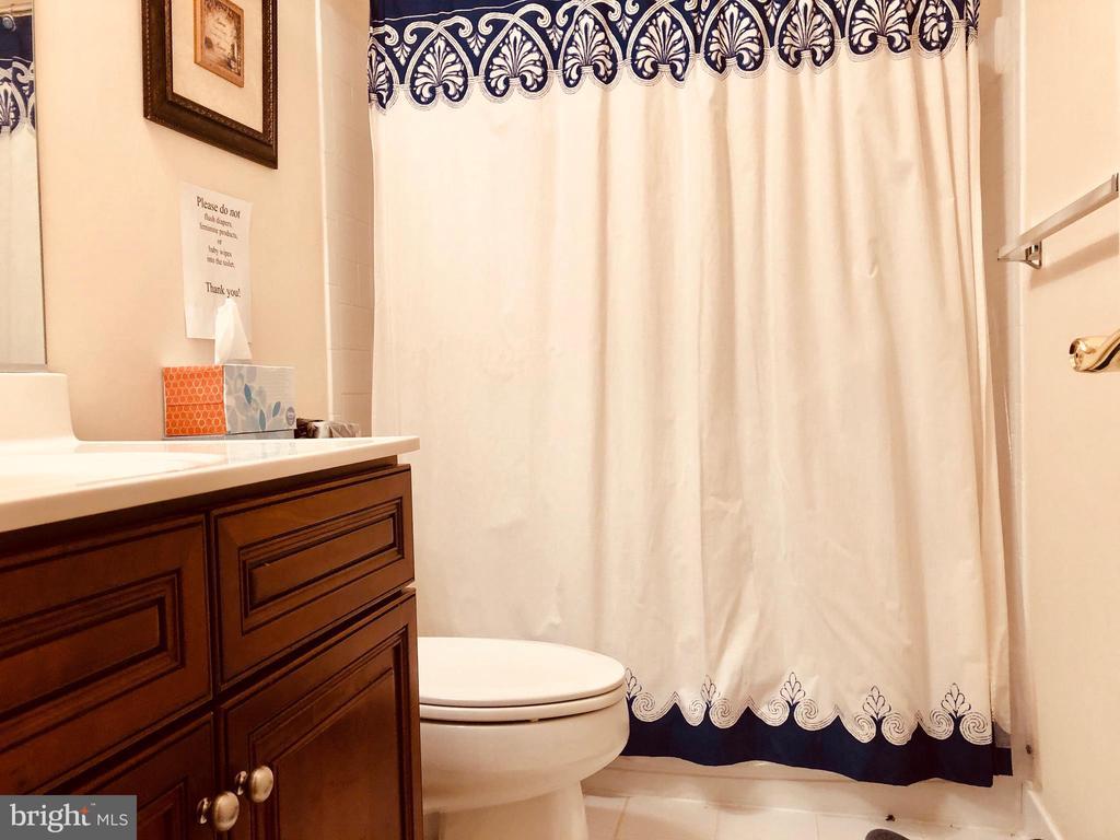 Bsmt Bath - 40278 WARREN GLEN LN, LEESBURG
