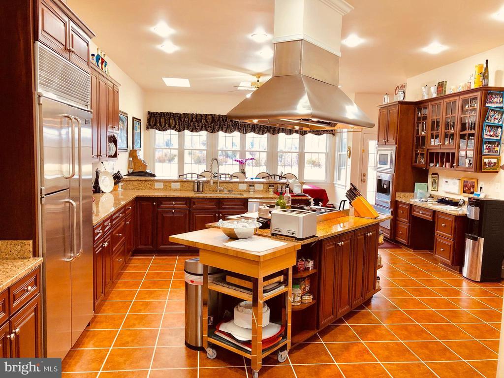 Kitchen - 40278-. WARREN GLEN LN, LEESBURG