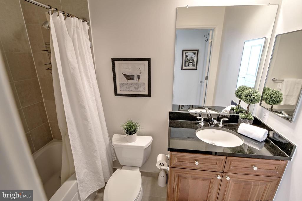 Full Bath #2 - 11990 MARKET ST #1811, RESTON
