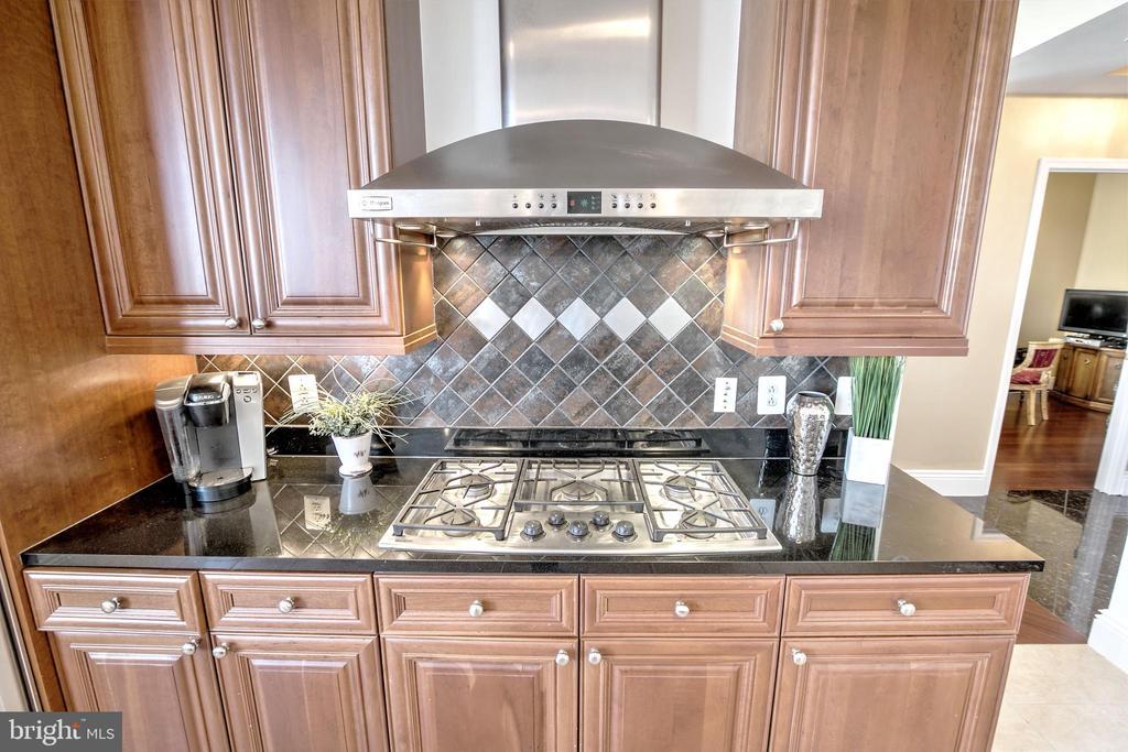 Gas Cooking - 11990 MARKET ST #1811, RESTON