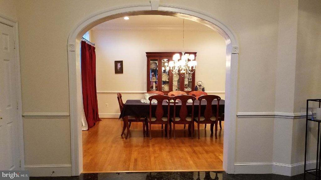 Foyer dining room view - 40278-. WARREN GLEN LN, LEESBURG