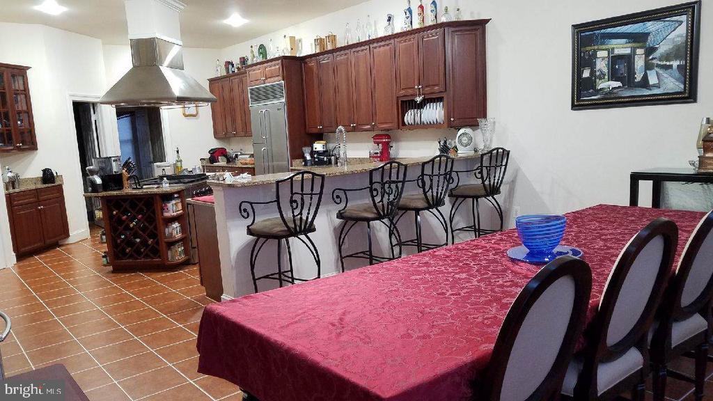 Kitchen Breakfast room view - 40278 WARREN GLEN LN, LEESBURG