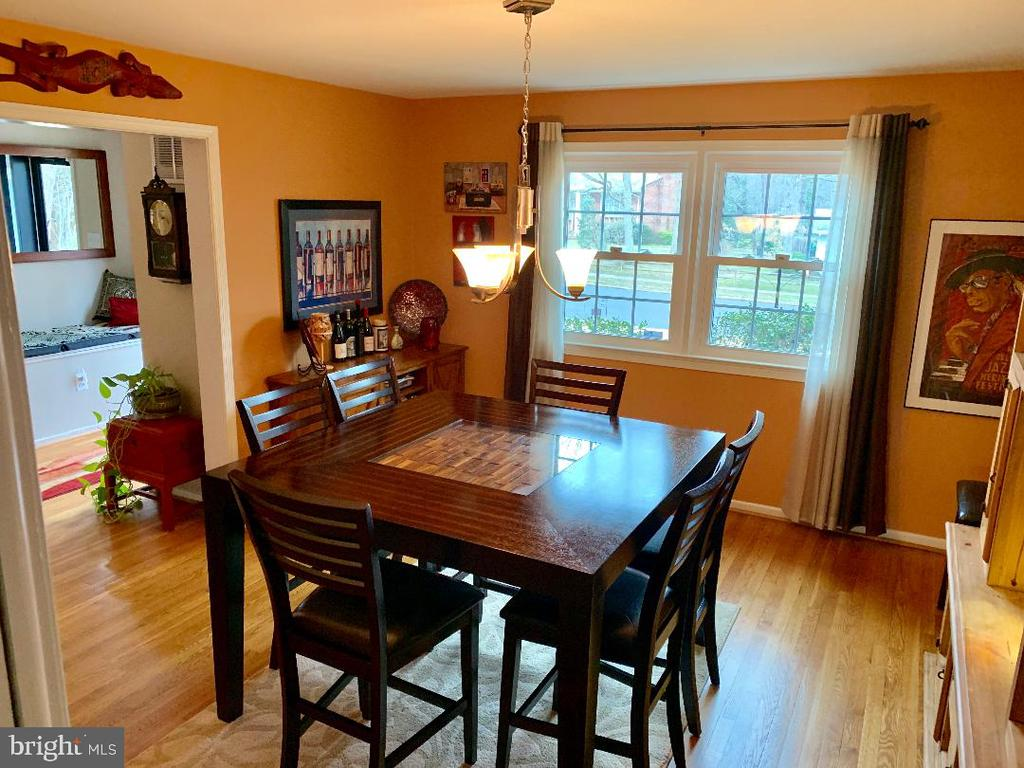 Large Dining Room - 9005 CHERRYTREE DR, ALEXANDRIA