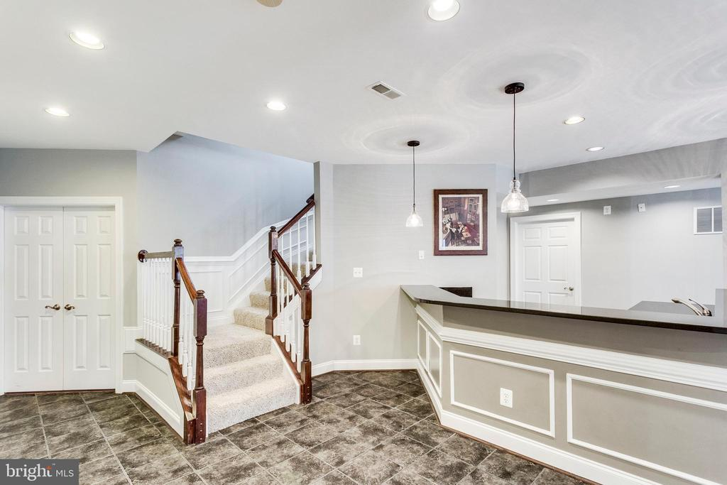 Stairs leading to the Lower Level. - 42744 RIDGEWAY DR, BROADLANDS
