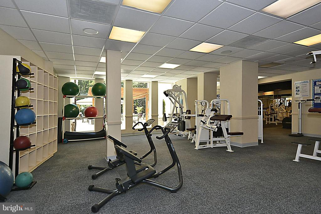 Kingstowne Community Fitness Center - 7005 CHESLEY SEARCH WAY, ALEXANDRIA