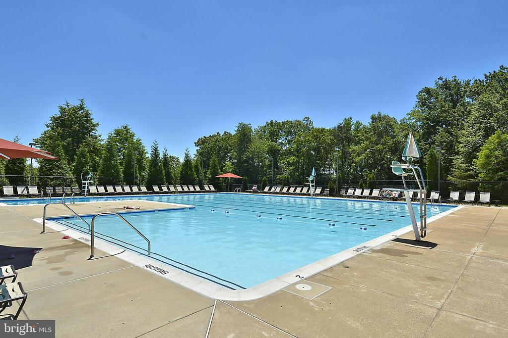 Kingstowne Pool - 7005 CHESLEY SEARCH WAY, ALEXANDRIA