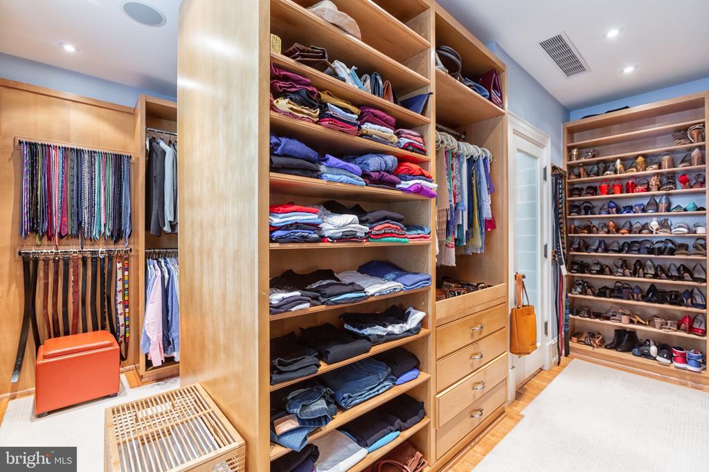Walk-in Closets - 3601 NEWARK ST NW, WASHINGTON