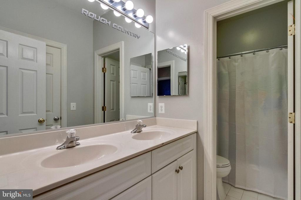 3rd Full Bath - 12328 TIDESWELL MILL CT, WOODBRIDGE