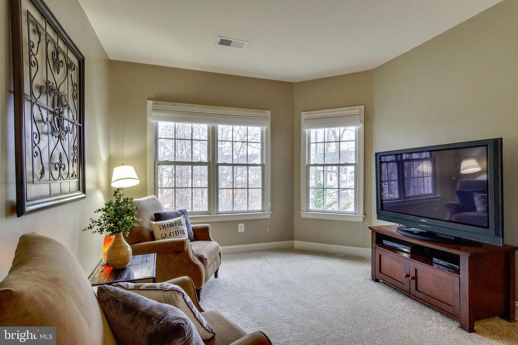 Master Suite Sitting Room - 12328 TIDESWELL MILL CT, WOODBRIDGE