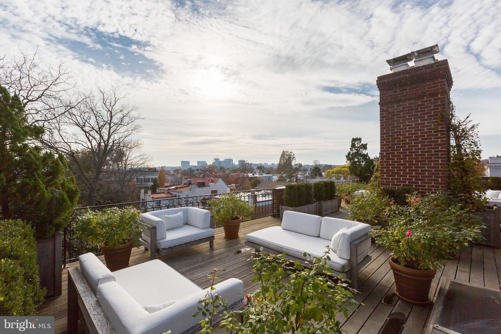 Roof Deck - 2804-2806 Q ST NW, WASHINGTON