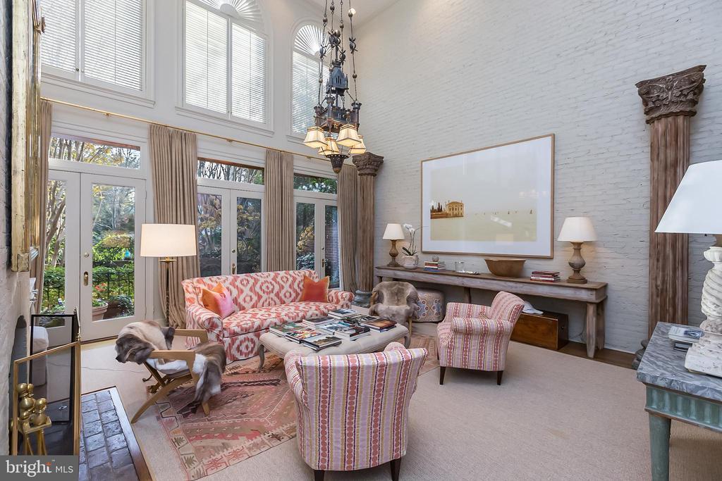 Living Room - 2804-2806 Q ST NW, WASHINGTON