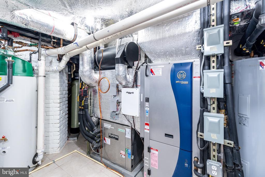 Geothermal HVAC - 3601 NEWARK ST NW, WASHINGTON
