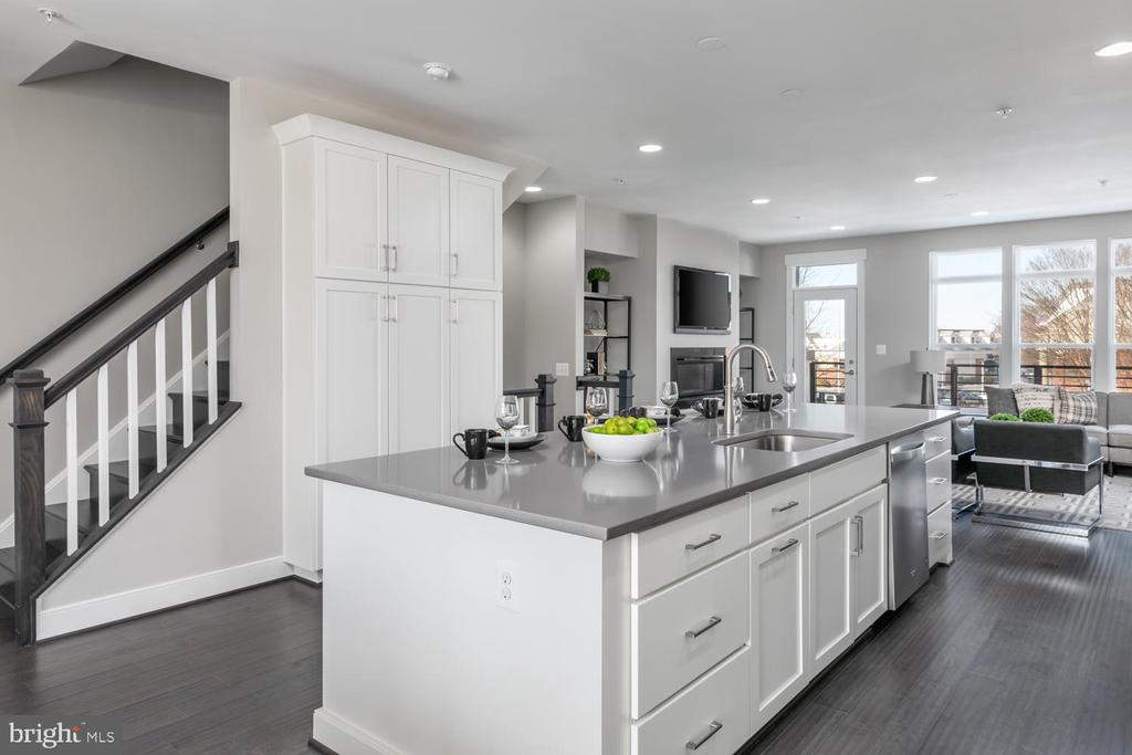 - 22877 EMBER BROOK CIR S #LOT 13, ASHBURN
