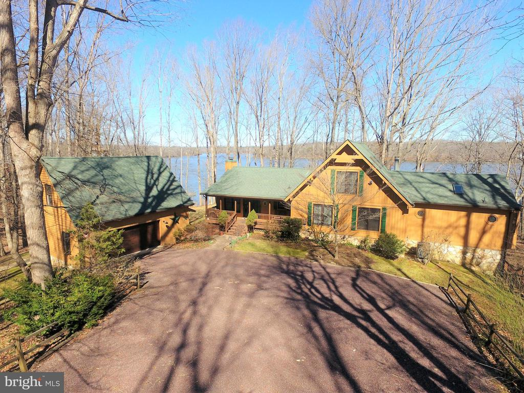 Magnificant Dock, BoatHouse & Entertainment Center - 6039 LOST COVE DR, MINERAL