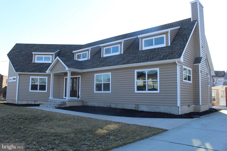 Maison unifamiliale pour l Vente à 27 S POPLAR Street Gibbstown, New Jersey 08027 États-Unis