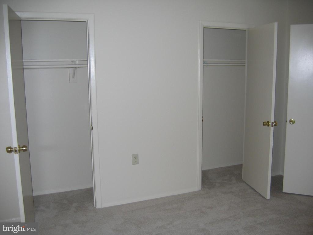 Bedroom double closets - 125 S CLUBHOUSE DR SW #8, LEESBURG