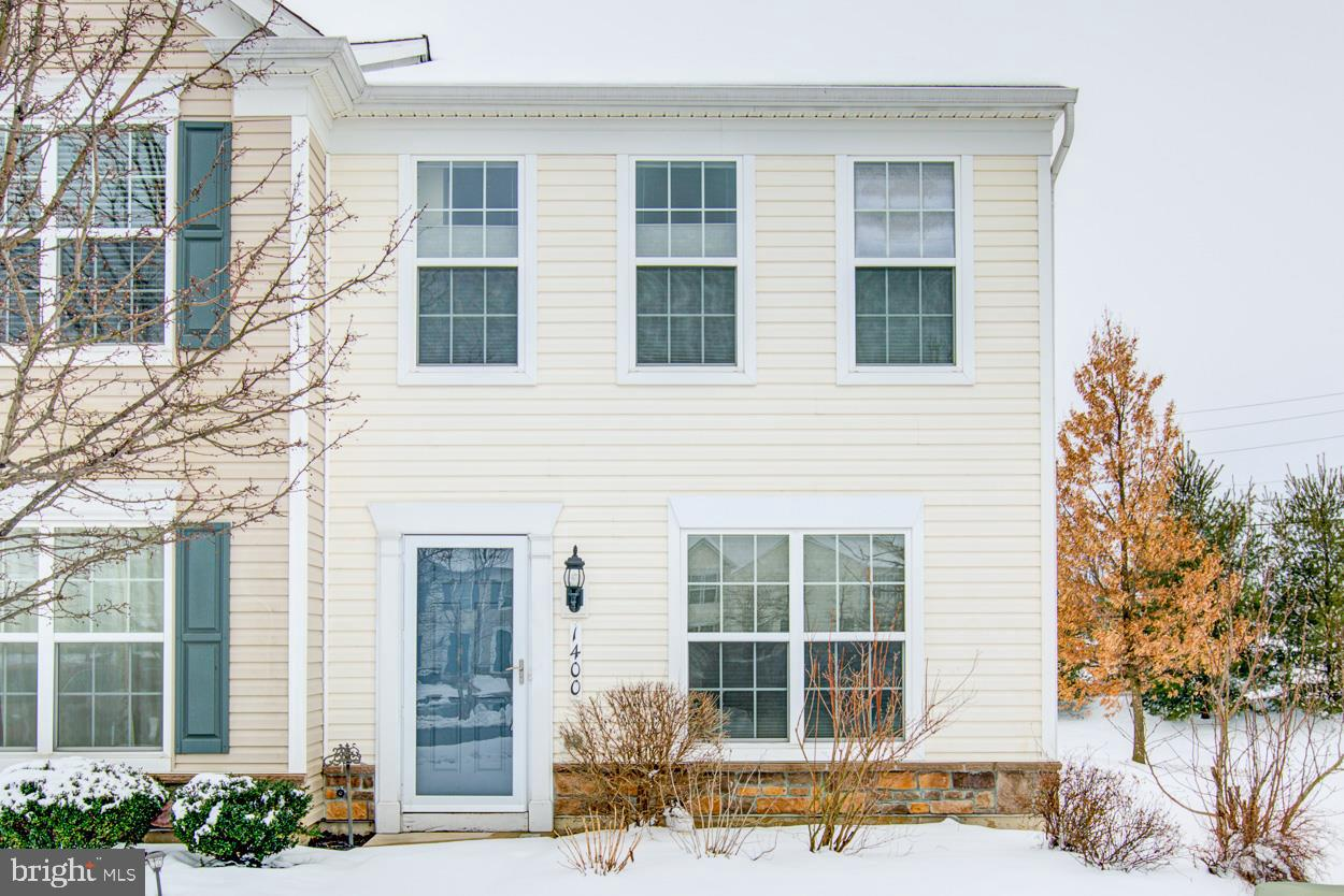 Photo of home for sale at 1400 Artisan Court, Breinigsville PA