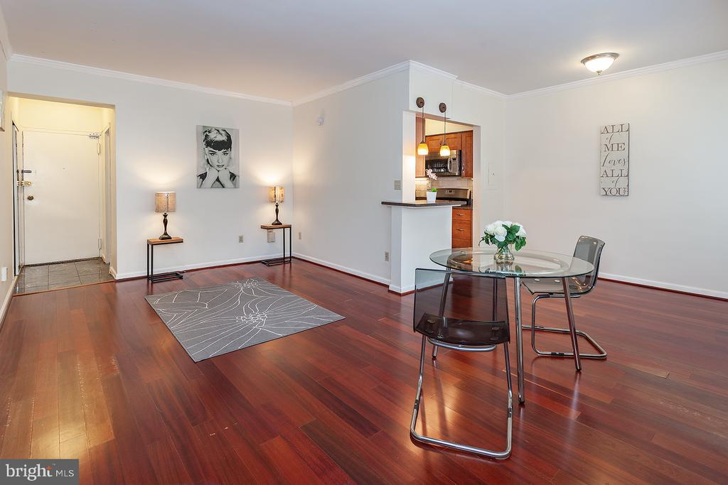 Dining and Living area - 1711 MASSACHUSETTS AVE NW #523, WASHINGTON