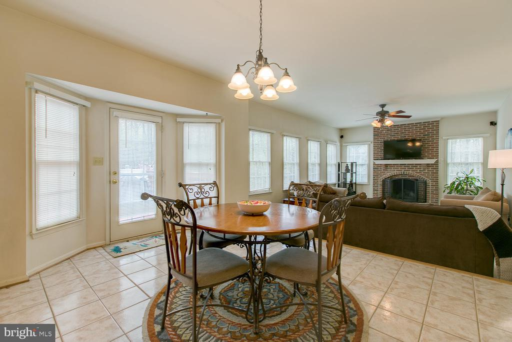 Breakfast nook flows in to Fam Room - 1480 TRUSLOW RD, FREDERICKSBURG