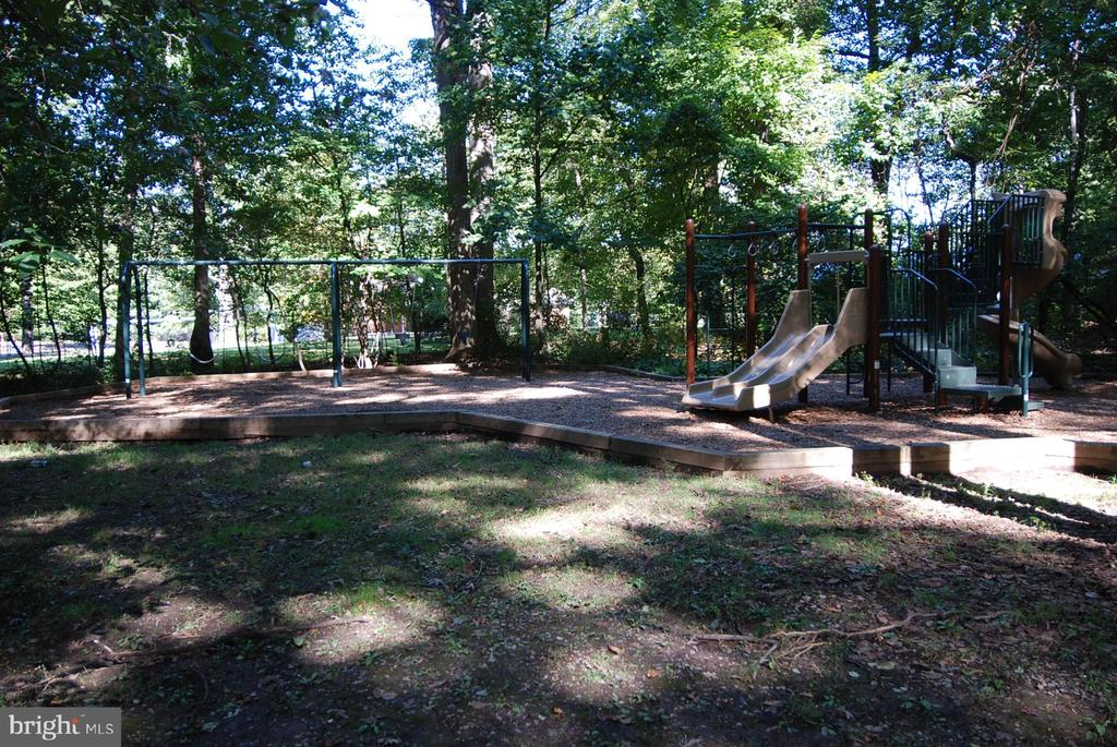 Area parks are a short distance away. - 7919 N PARK ST, DUNN LORING