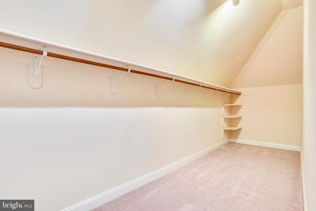 Master suite walk in closet. One of Two! - 7919 N PARK ST, DUNN LORING
