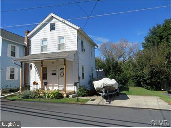 Photo of home for sale at 3429 Franklin Street, Slatington PA