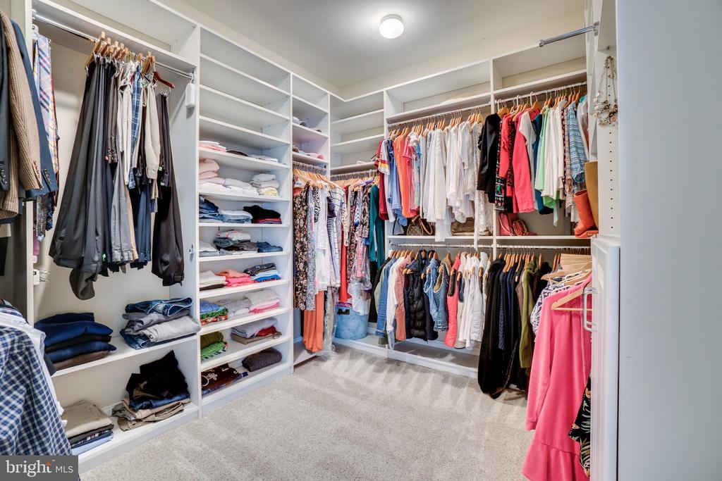Master bedroom walk in closet - 18483 ORCHID DR, LEESBURG