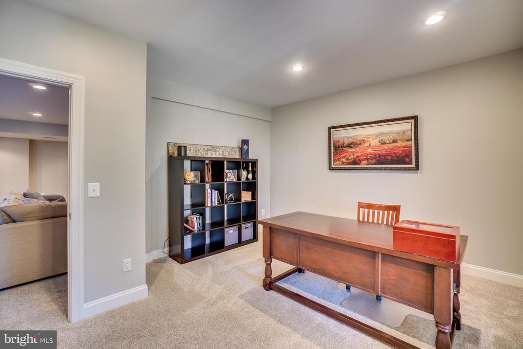 Legal bedroom in basement - 18483 ORCHID DR, LEESBURG