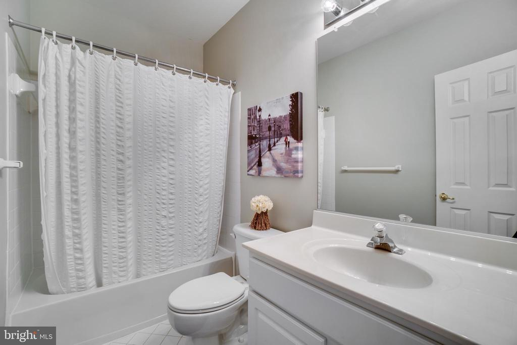Full bath in basement - 18483 ORCHID DR, LEESBURG