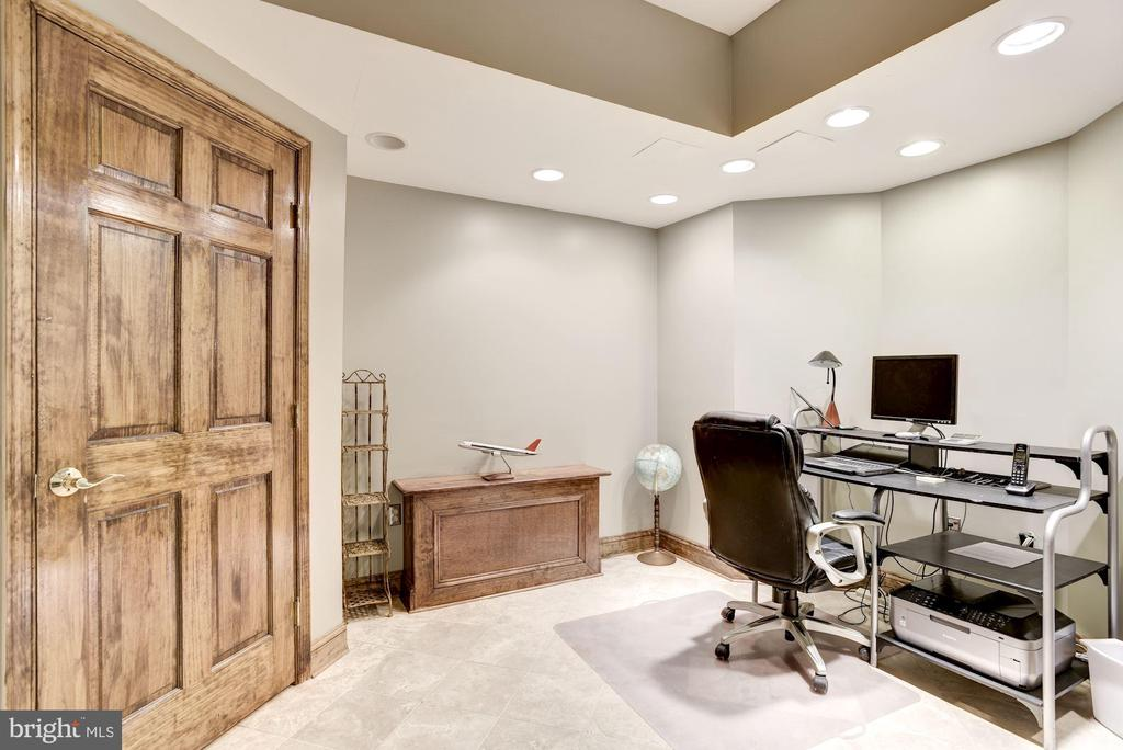 Basement Office - 17175 TWIN MAPLE LN, LEESBURG