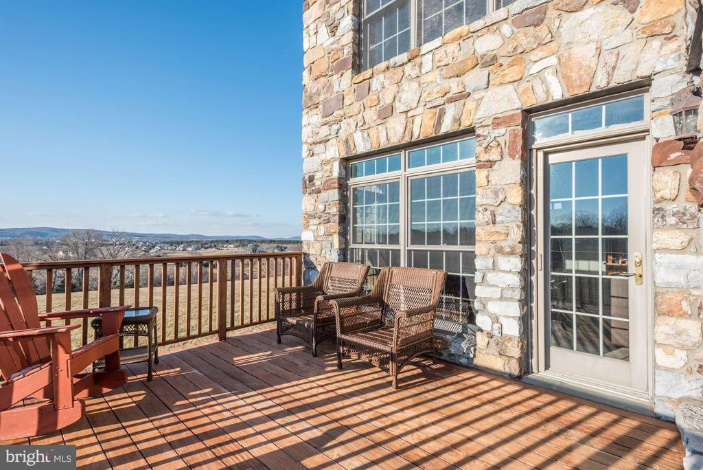 Deck with Mountain Views - 17175 TWIN MAPLE LN, LEESBURG