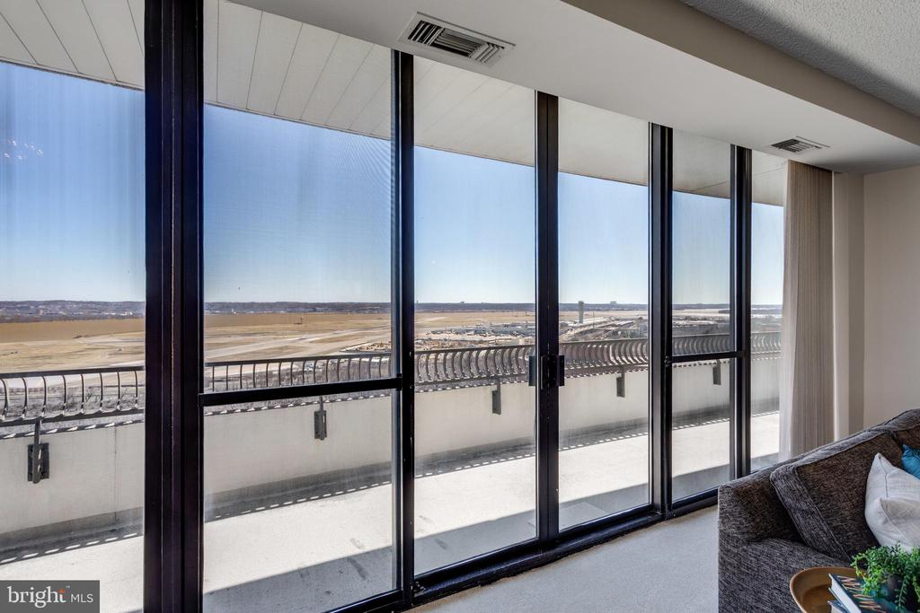 Spectacular Views from the Living Room - 1300 CRYSTAL DR #PH3S, ARLINGTON