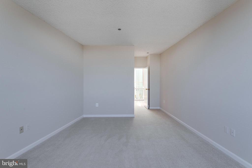 Bedroom - 1300 CRYSTAL DR #PH3S, ARLINGTON